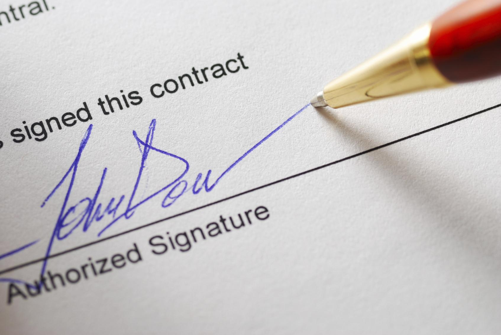 IT Professionals: 3 Essential Contracts that You Should Always Get in Writing
