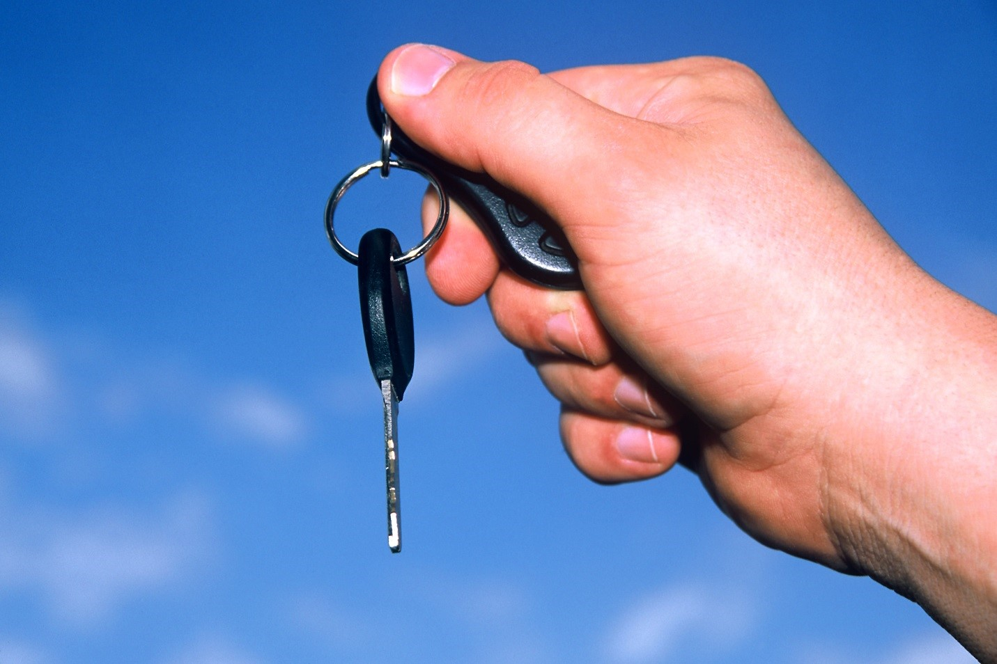How Letting Others Borrow Your Vehicle Could Affect Your Car Insurance Policy on avanteinsurance.com