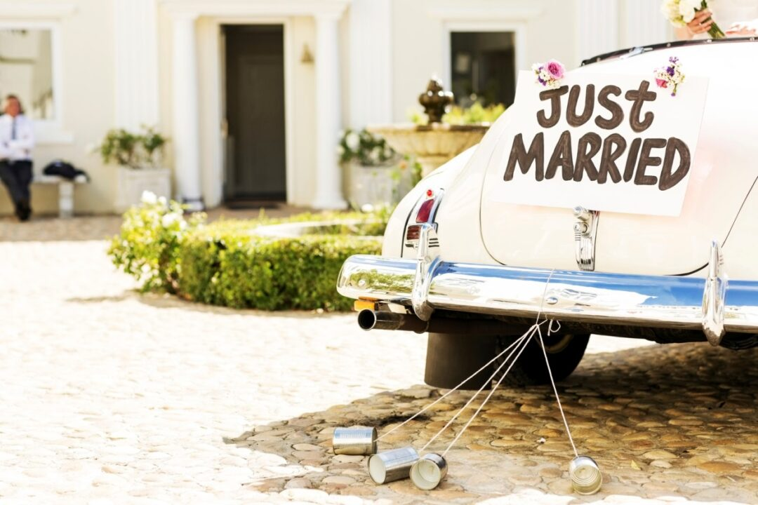 8 Financial Must-Dos for Newlyweds