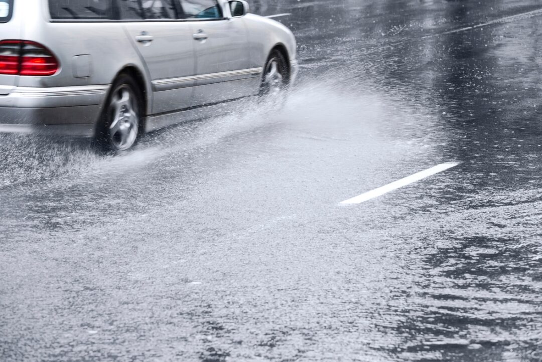 Driving Safely in Wet Weather: Tips for Florida Drivers